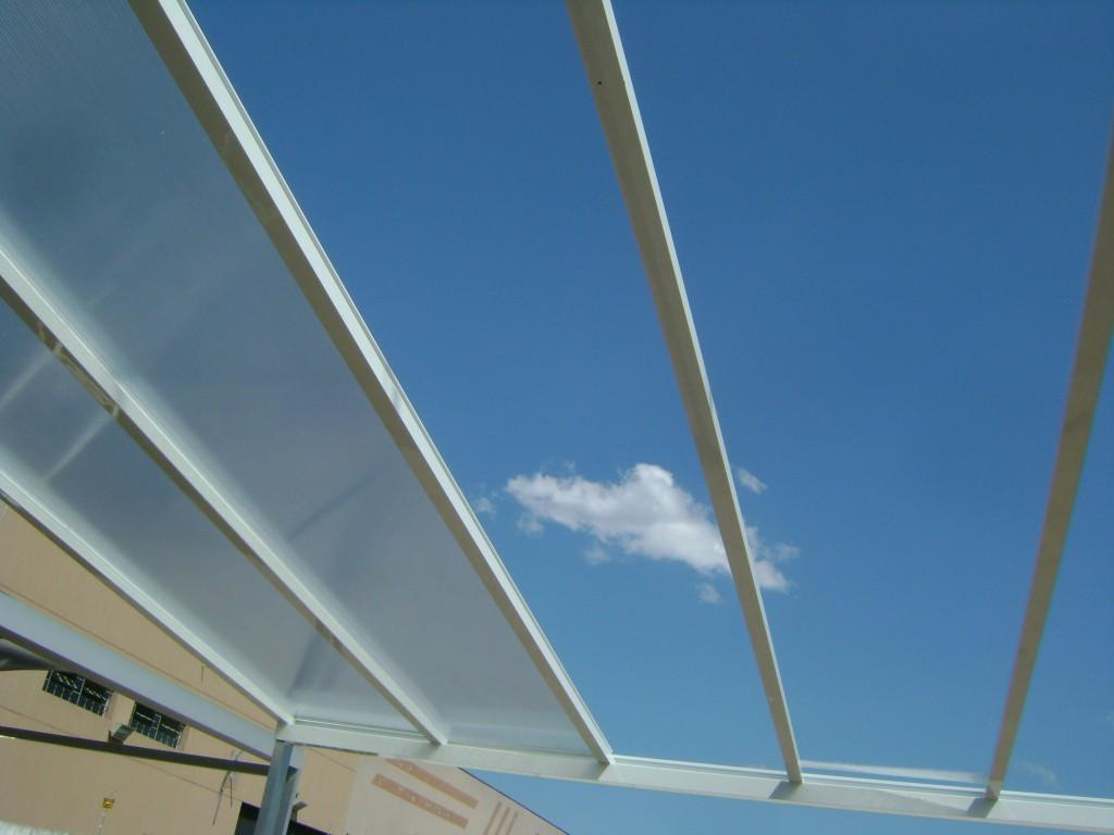 Cobertura em policarbonato -Perfil Aluminio Estrutural