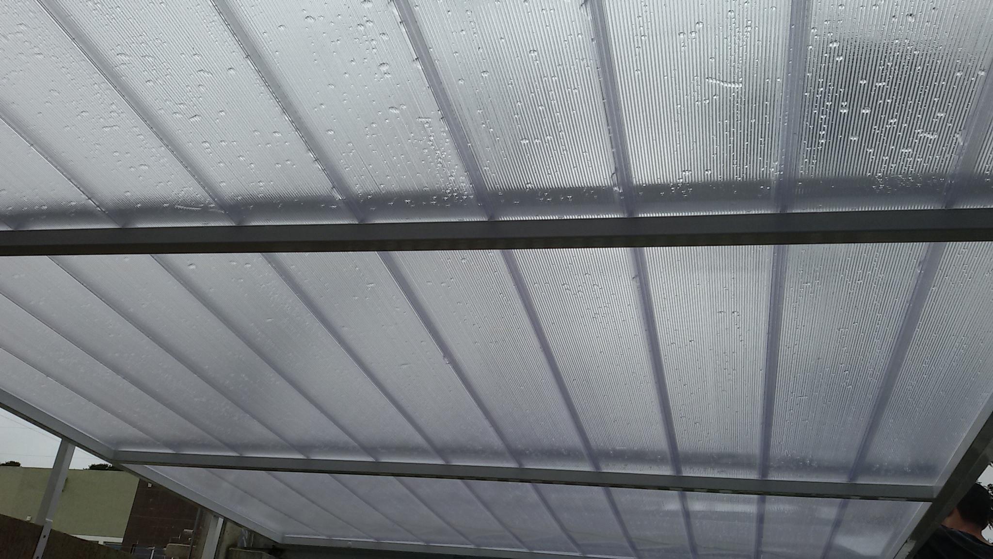 Garagem de policarbonato alveolar sistema click garagem - Cristal policarbonato ...
