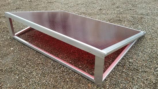 Chapa de Policarbonato Alveolar Vermelho multilux - Comunicação visual- Perfis de aluminio pintura epóxi branco