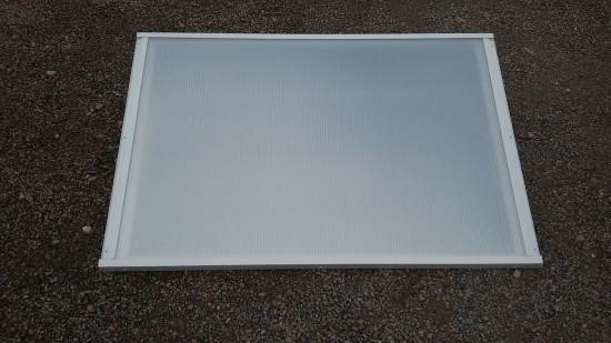 Chapa de Policarbonato Alveolar Pérola multilux - Maior redução de calor e maior luminosidade - Perfis de aluminio pintura epóxi branco