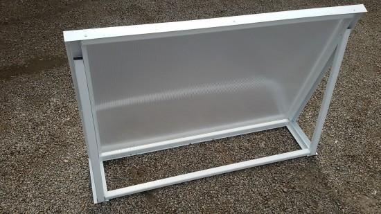Chapa de Policarbonato Alveolar Cristal Refletiva - Perfis de aluminio pintura epóxi branco