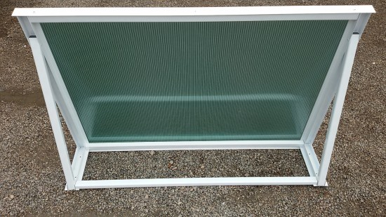 Chapa de Policarbonato Alveolar Verde Refletiva multilux - Perfis de aluminio pintura epóxi branco