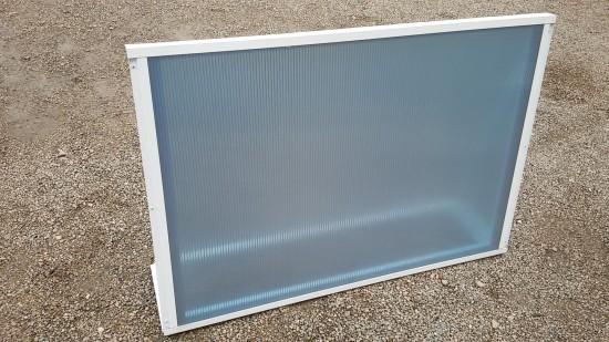 Chapa de Policarbonato Azul REFLETIVO - do lado de baixo é Azul e do lado de cima é Refletivo prata - e Perfis de aluminio pintura epóxi branco
