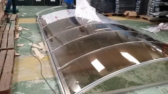 Garagem de Policarbonato Com chapas compactas Polysolution