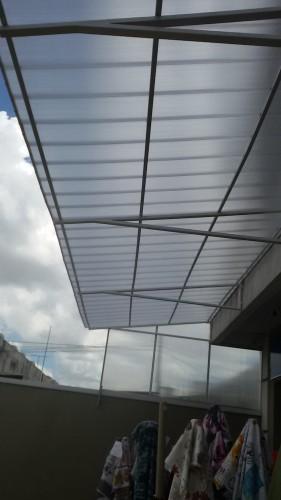 Detalhes tecnicos do Projeto - Toldo de Policarbonato em comercio com as Telhas de Policarbonato CLICK cor cristal 15 x 3 metros