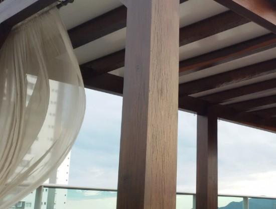 Como instalar um Pergolado de Madeira com Chapas de Policarbonato em fixação com perfil de aluminio F entre as pergulas - Polysolution