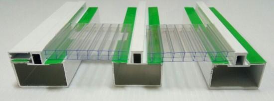 Sistema Modular com Perfil Viga-Calha PC 4412 e Perfil Estrutural PC 5512 alveolar 10 mm cor cristal Polysolution