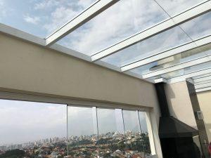 Cobertura de vidro com Perfil de aluminio viga-Calha e Perfil Estrutural 100x50 mm é na Polysolution