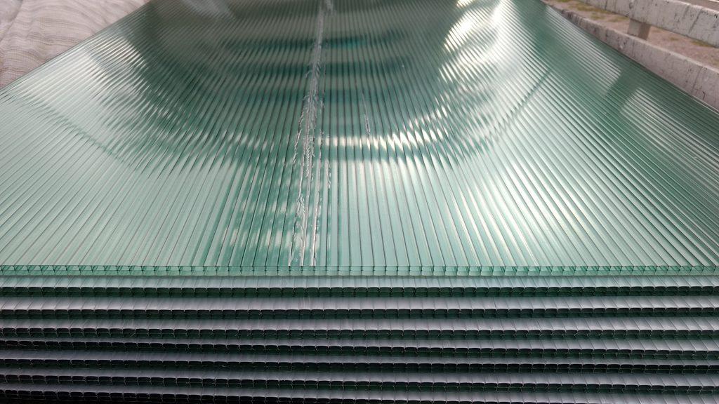 Policarbonato alveolar verde refletiva 10 mm para toldo curvo Polysolution