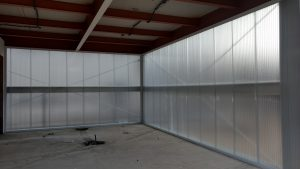 parede de Policarbonato 40mm alveolar concessionária de automoveis