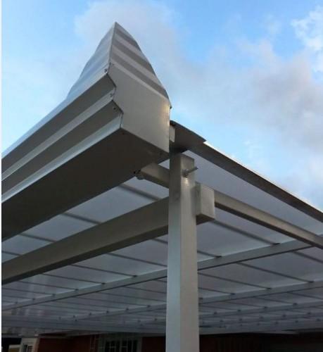 telhado com Telhas de Policarbonato Click cor cristal - sistema modular click - sistema Do It yourself - faça Voce mesmo
