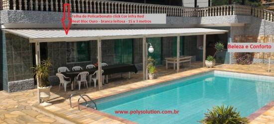 cobertura de area de Piscina com as telhas de Policarbonato click cor infra red heat bloc ouro