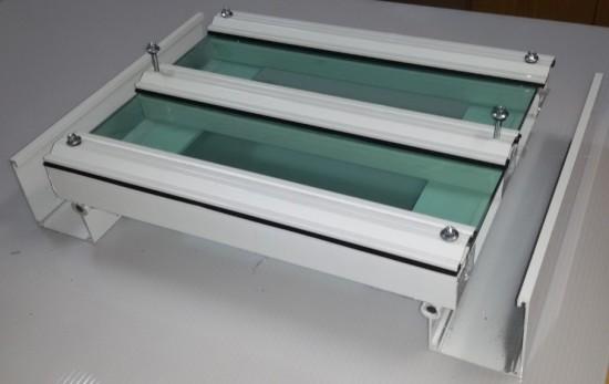 sistema modular Perfil viga calha PC 4412 com Perfil estrutural PC 5512 e Vidro Polysolution