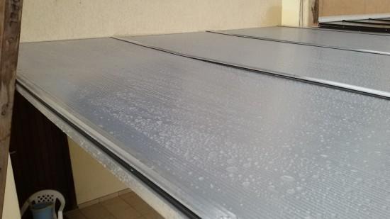 garagem de Carro com Perfil viga-calha ajustável em aluminio ePolicarbonato alveolar 10 mm Polysolution