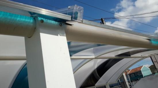 Abrigo de carro com Telhas Click Policarbonato com Estrutura em arco furada com serra copo 2 polegadas e 38 mm - facil de montar, elimina solda