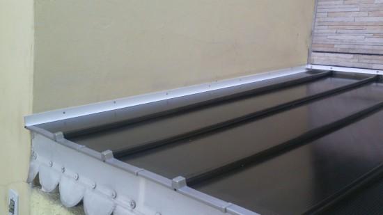 instalação do perfil RUFO formato F de 6 mm - entre a cobertura e parede