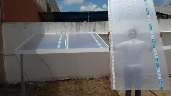 montagem sequencial -leveza do Policarbonato - sistema Modular de instalação de uma cobertura de Policarbonato Alveolar 10mm cristal bicamera com perfis de aluminio Viga-Calha PC 4412 e Perfil Estrutural PC 5512