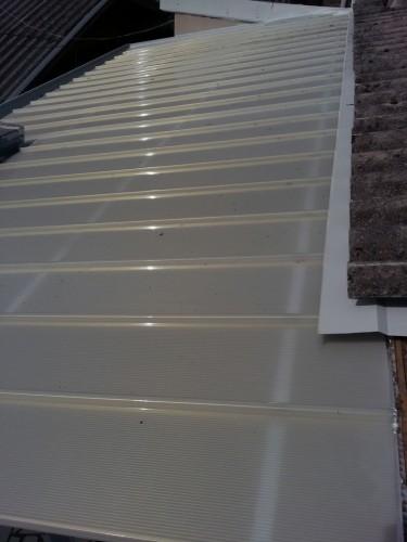 Cobertura de Policarbonato telhas Click cor Infra Red Heat Bloc Ouro maior redução de calor e melhor transmissão de luz