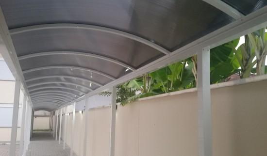 Como Instalar uma Cobertura de Policarbonato em Arco com Perfil Viga calha PC e Estrutural Aluminio