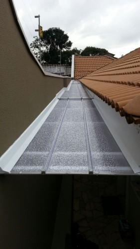 cobertura lateral com telha click fixa 16 x 700 mm - caimento no 16 sobreposição