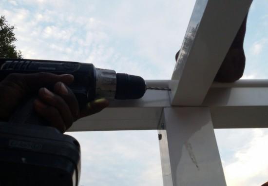 abrigo de carro em Telhas de Policarbonato Click Curvo com Perfil Viga-Calha PC 4412 Polysolution