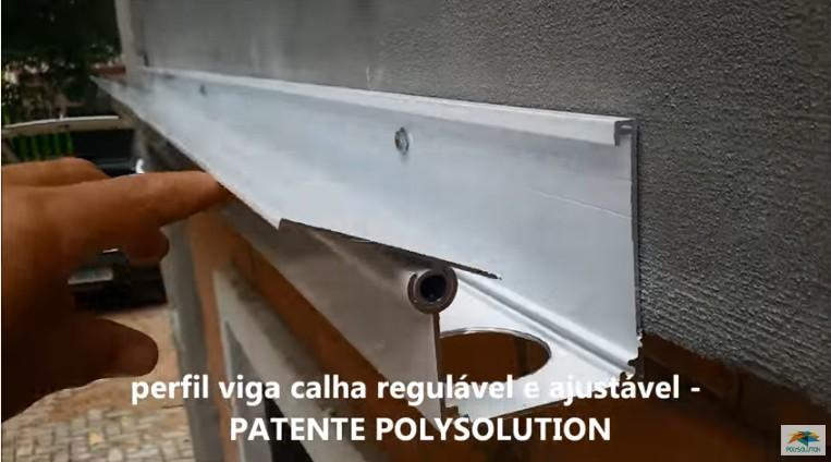 Fixação do perfil viga-calha PC4412 na parede Polysolution
