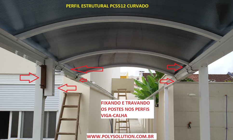 Fixação do perfil viga-calha PC4412 policarbonato fumê alveolar 10 mm - Polysolution