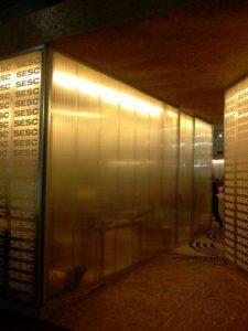 Divisórias de Policarbonato 40 mm cor cristal translucida - Projeto Bienal do Livro 2012 -Polysolution