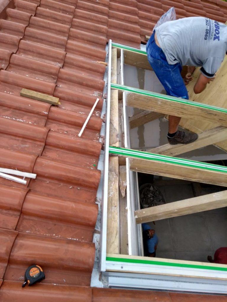 Perfil de Aluminio T invertido Polysolution + Fita VHB + Vidro + madeira - Polysolution