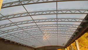 cobertura de Piscina chapa Alveolar Infra red 10 metro - a telha tem cor ouro