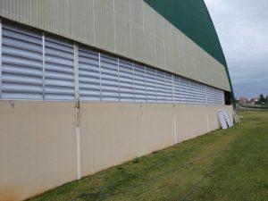 Instalação das veneziana Industrial em policarbonato - Club Alphavile -Foto original Polysolution