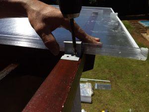 pergolado de madeira com Policarbonato click 600 mm