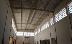 Veneziana Industrial em Policarbonato 4 mm Vent-poly Ventilação e iluminação natural - Polysolution