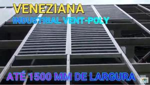 Veneziana Industrial em Policarbonato com Perfis de Aluminio sobre o muro - Privacidade, claridade e ventilação - POlysolution